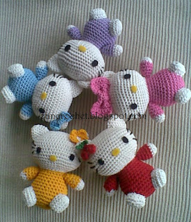 Hello Kitty Amigurumi Patrón a Ganchillo * Saekita Ganchillo * | 320x275