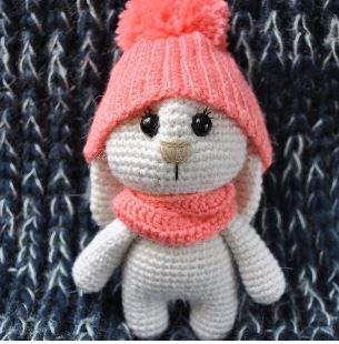 Amigurumi coniglietto col cappellino free pattern schemi gratis amigurumi amigurumi free dowload