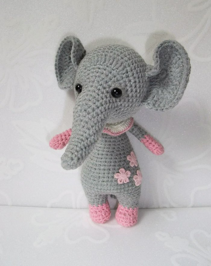 Dumbo amigurumi | Dumbo amigurumi | Laura | Flickr | 882x700