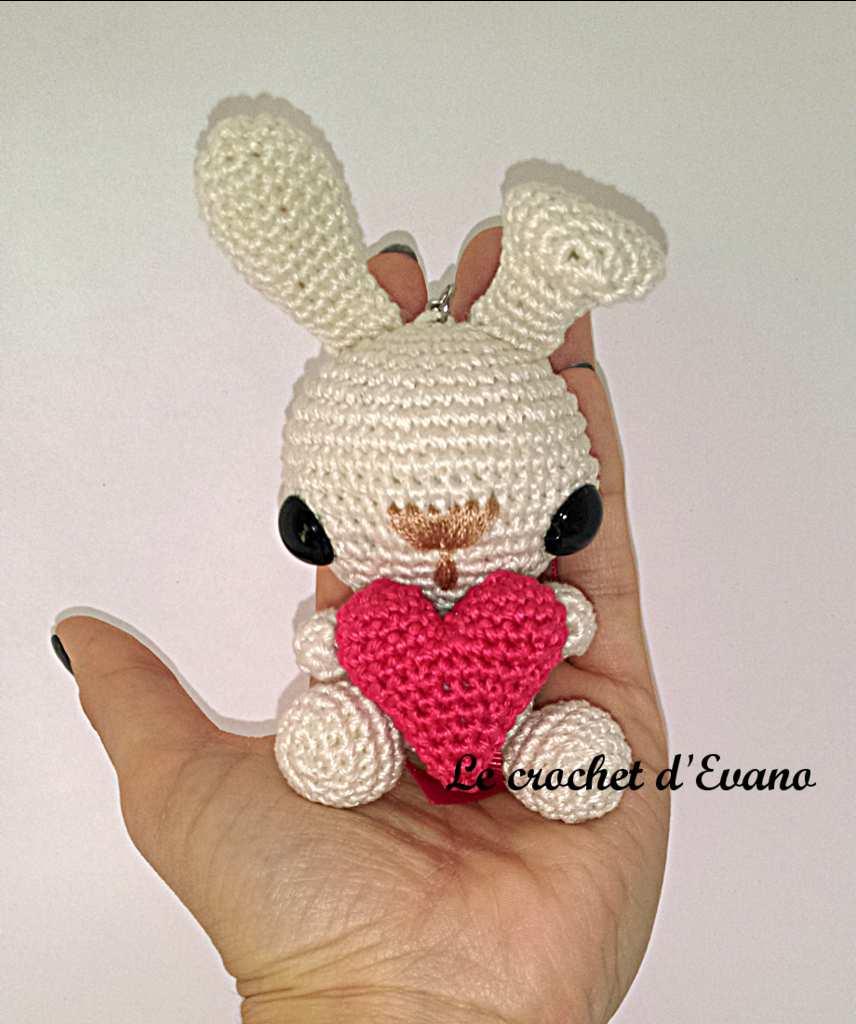 Amigurumi Valentino il coniglio free pattern schemi gratis amigurumi amigurumi free dowload