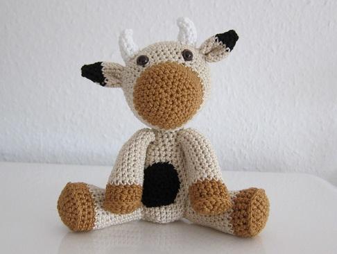 Amigurumi Halloween Schemi Gratis : Amigurumi mucca free pattern - Free Amigurumi