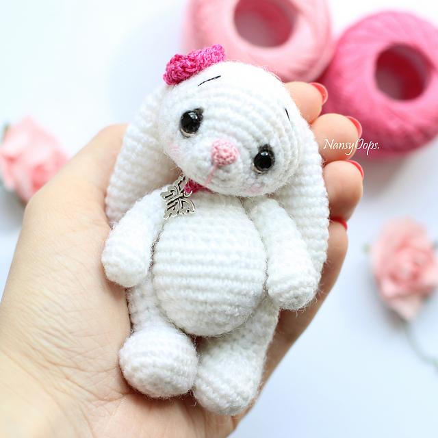 Tutorial coniglietto Amigurumi/How to crochet a sweet rabbit ... | 640x640